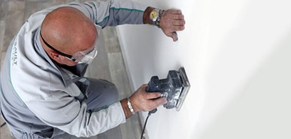 Если вам предстоит большой объем работ, имеет смысл приобрести электроинструмент для шлифовки