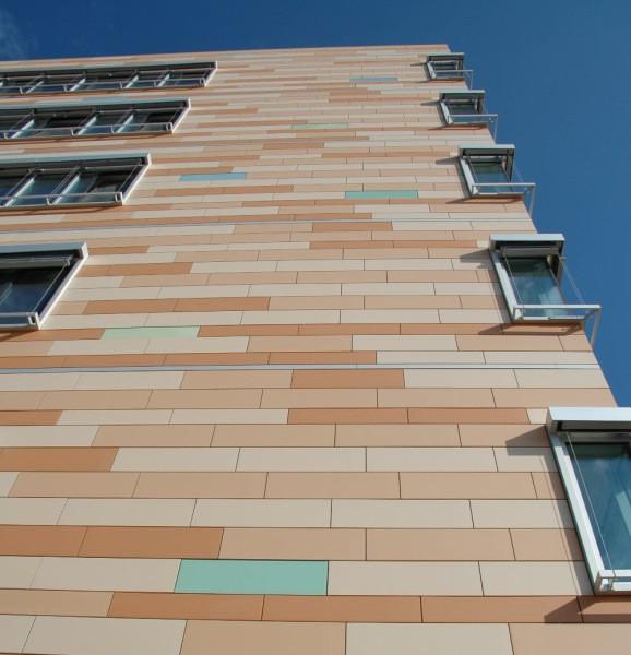 Керамический фасад многоэтажного дома