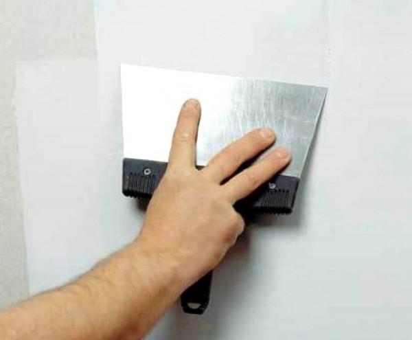 Шпаклевание стен под покраску должно быть идеальным