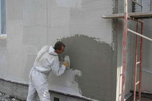 Финишное выравнивание наружной стены