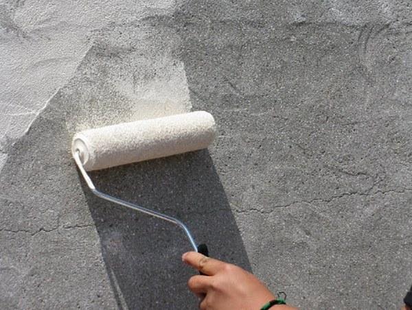 Грунтовка также повысит сцепляемость материалов друг с другом