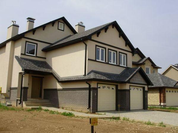 Только качественные материалы способны придать вашему дому такой вид, как на фото, и сохранить его на долгие годы