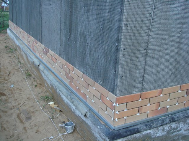 Монтаж фасадной плитки по сетке