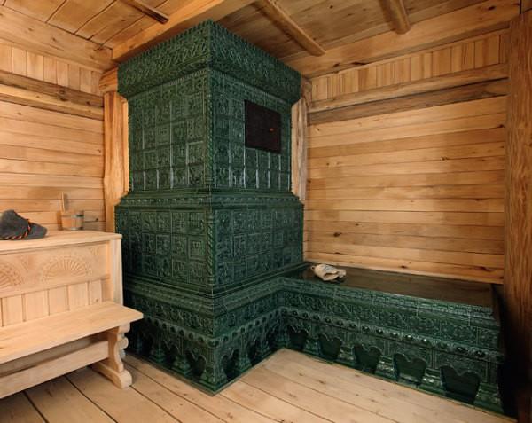 Банная печь и полок: облицовка майоликой