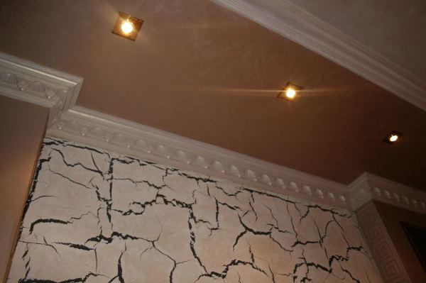 Декоративное оштукатуривание стен и потолка