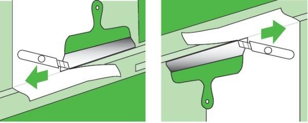 Напуски сверху и снизу обрезаются острым канцелярским ножом по линейке или широкому шпателю, когда обои высохнут