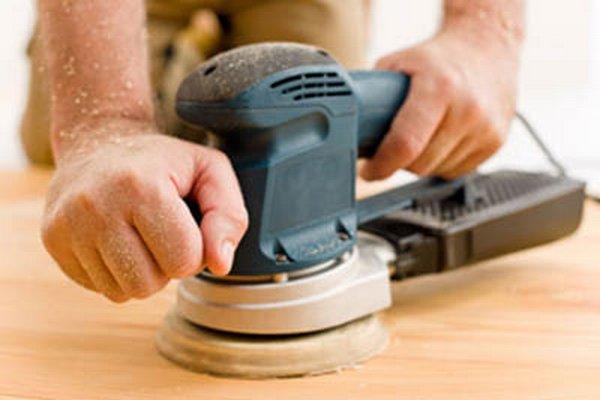 Для шлифовки больших объемов применяйте специальный электроинструмент