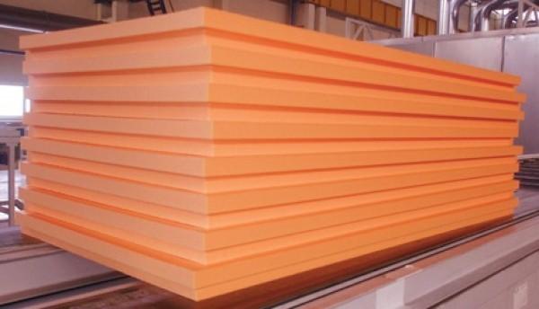 Профилированные края плит позволяют производить монтаж без сквозных швов