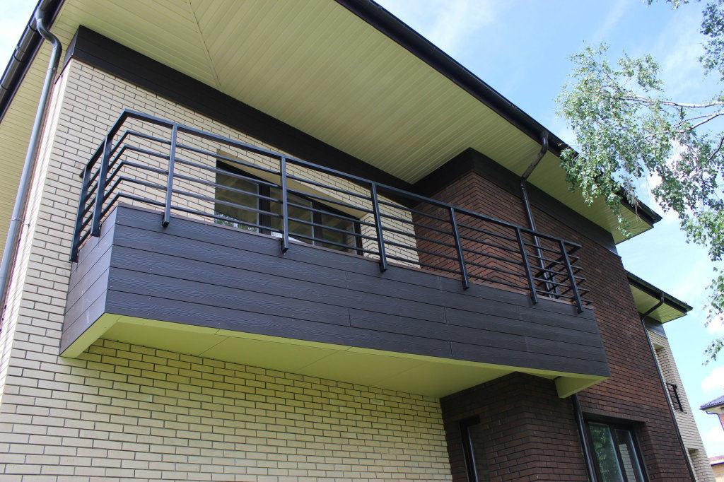 Обшивка балкона фиброцементным сайдингом