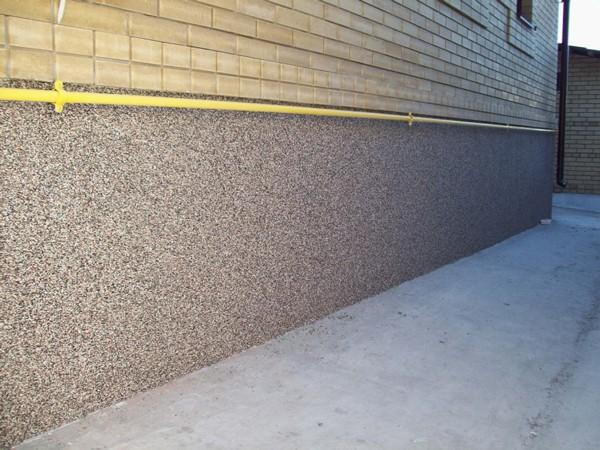 Цокольная штукатурка – важный штрих в дизайне фасада