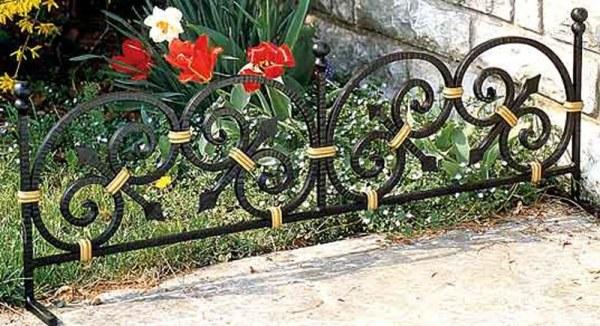 Качественно окрашенная ограда