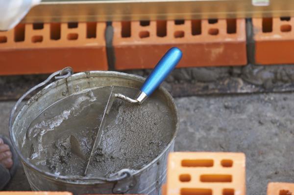 Как правильно приготовить раствор для штукатурки цементный