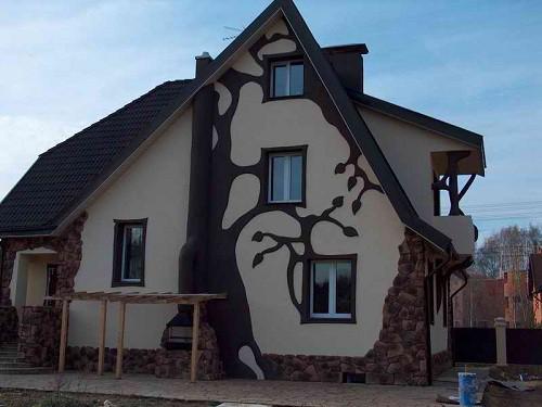 Рисунок на фасаде при помощи штукатурки