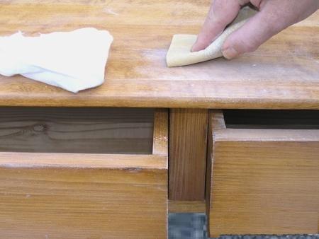 Чистка мебели перед покраской