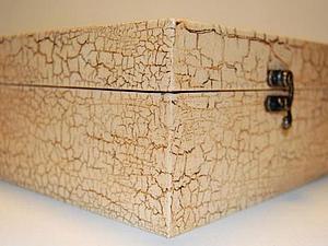 Двухшаговый кракелюр Шкатулка выполнена методом двухшагового кракелюра