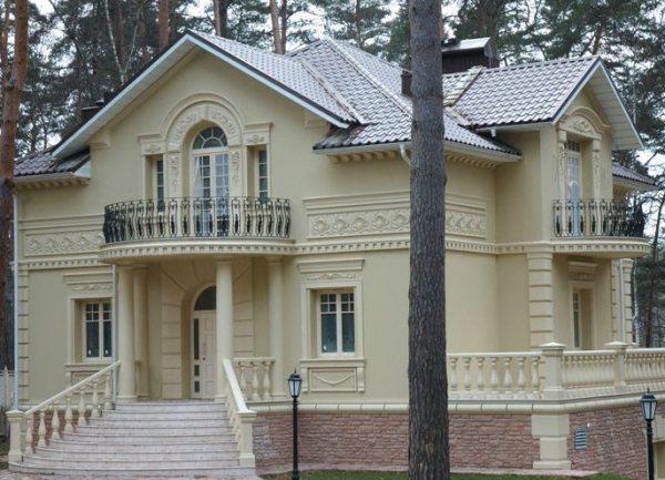 Фасад дома, покрашенный силиконовой краской