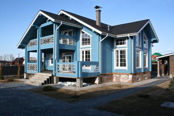 Как покрасить дом из бруса снаружи