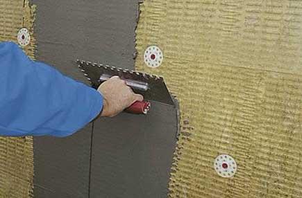 Нанесение минеральной штукатурки на утеплитель из ваты