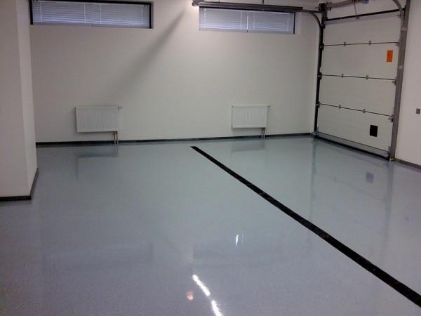 Пол бетонный в гараже