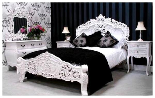 Акцентная стена в чёрно-белом интерьере спальни