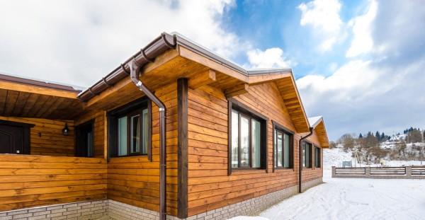 Фасадные краски для деревянных домов