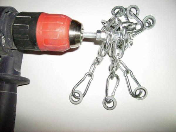 Использование цепей для снятия краски