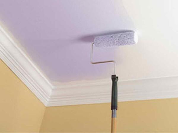 Как покрасить побеленный потолок водоэмульсионной краской