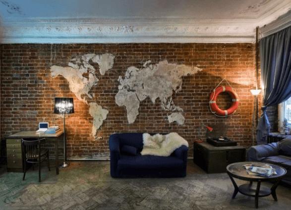 Карта мира в гостиной в стиле лофт
