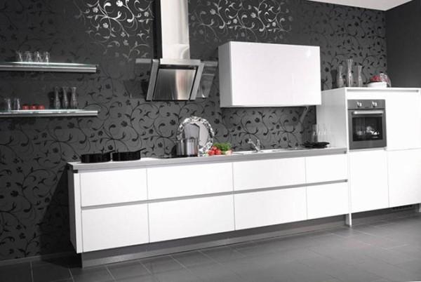 На фото чёрно белая кухня в стиле минимализм
