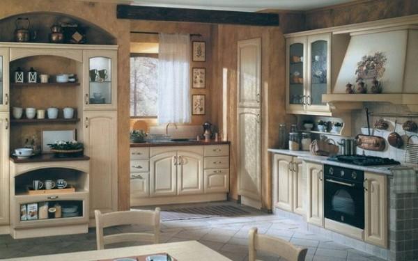 На фото, кухня в стиле прованс тёплых бежевых тонах