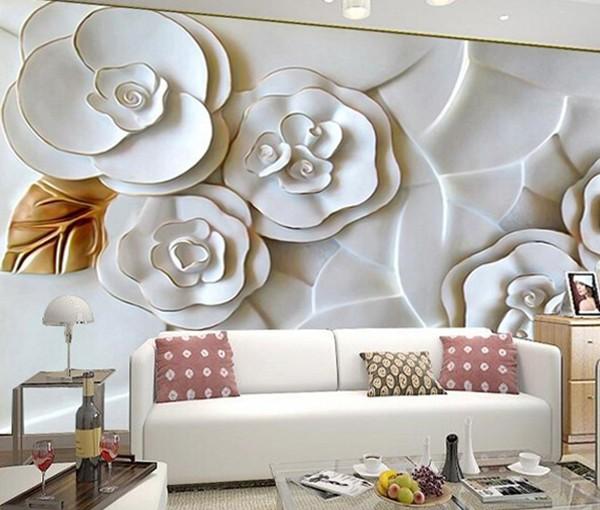 На фото, объёмные цветы в интерьере гостиной