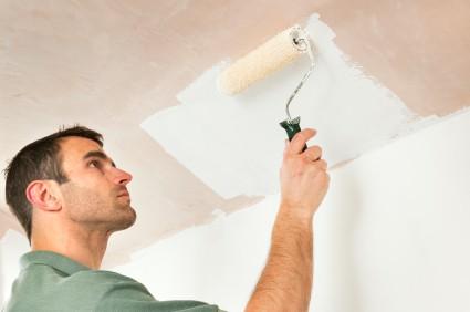 Нанесение водоэмульсионного покрытия на гипсокартонный потолок