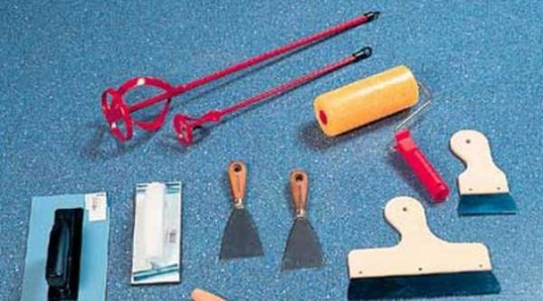Необходимые инструменты для шпаклевки потолка
