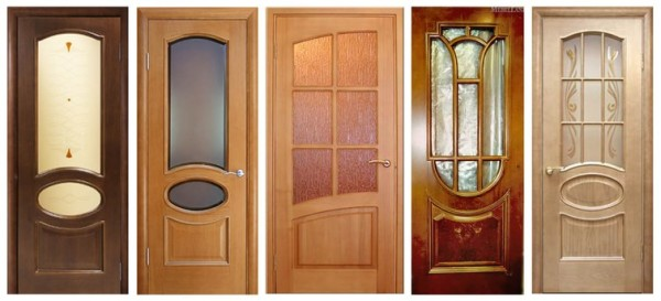 Покрасить деревянную дверь