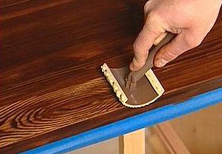 Применение морилки для покраски двери