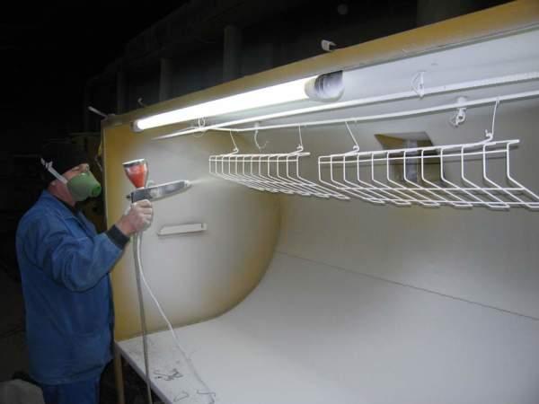 Процесс окрашивания порошковыми полимерами