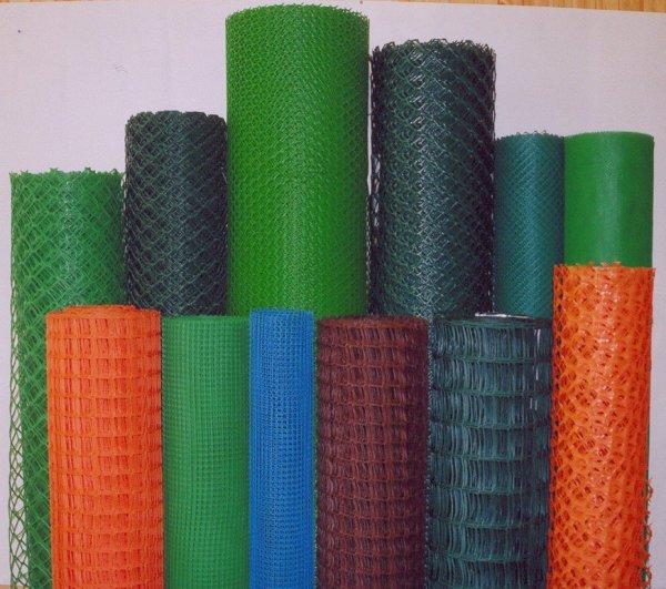 Цветовое разнообразие пластиковой сетки