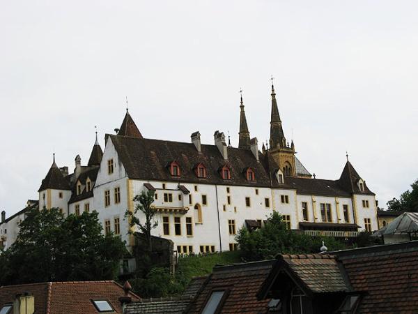 Швейцарский замок Невшатель