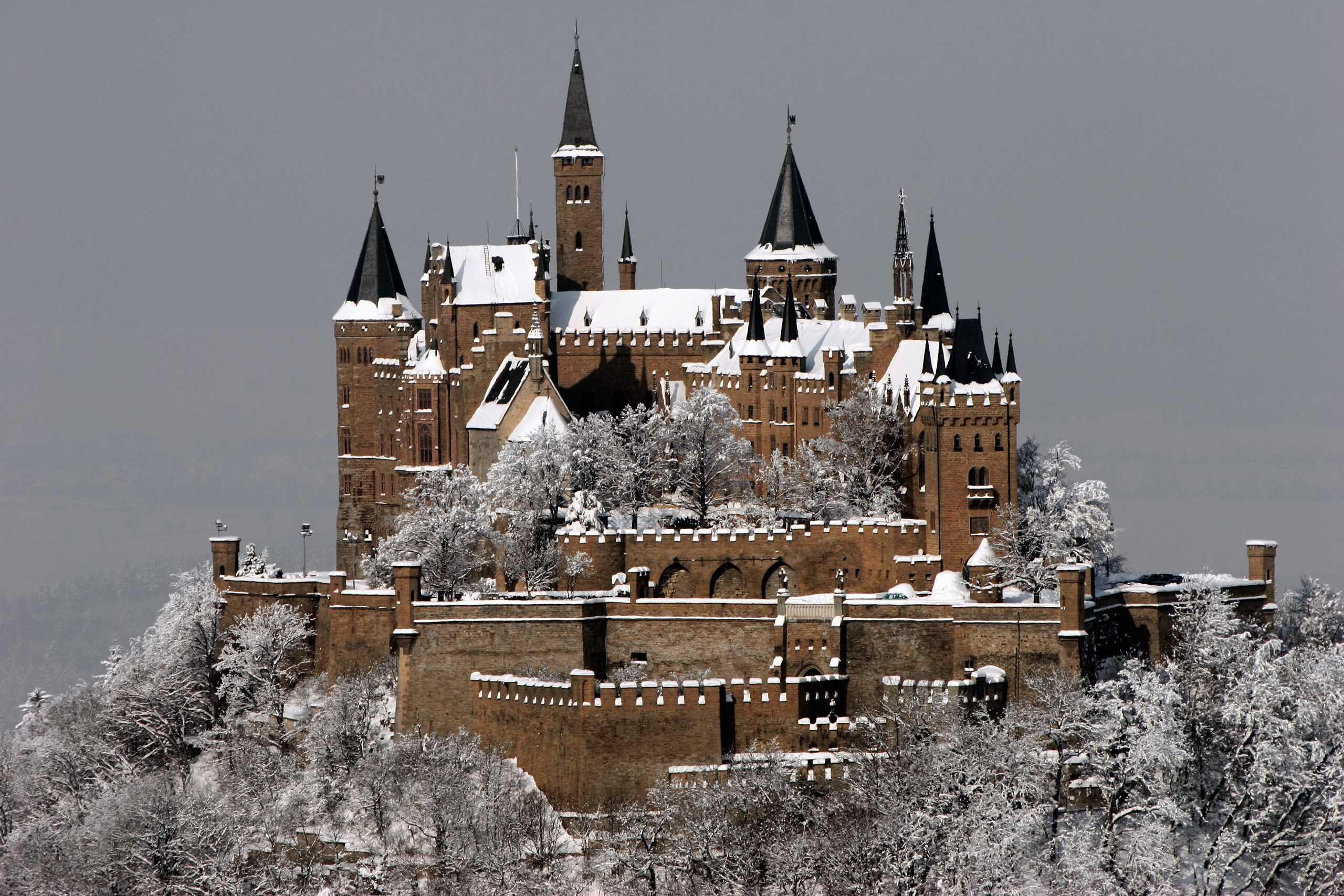 Немецкий замок Гогенцоллерн зимой