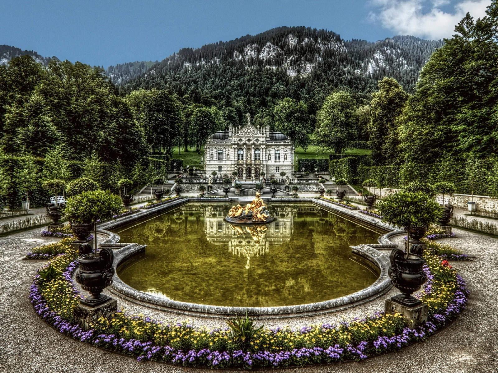 Немецкий замок Линдерхоф во всей красе