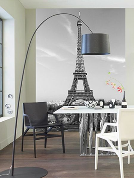 Эйфелева башня на фотообоях в кухне