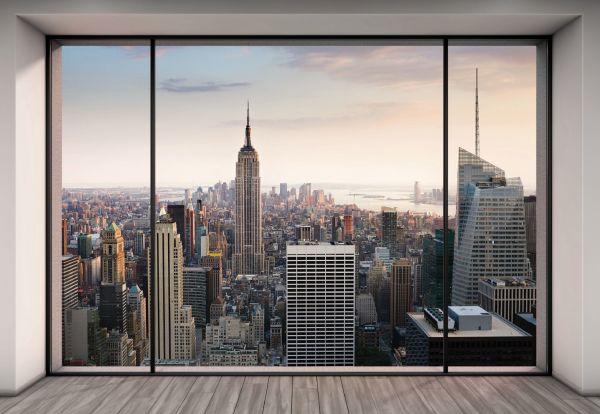 Фотоизображение панорамного окна выходящего в мегаполис