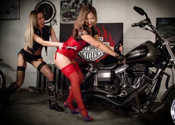 Фотообои девушек в колготках на фоне мотоцикла