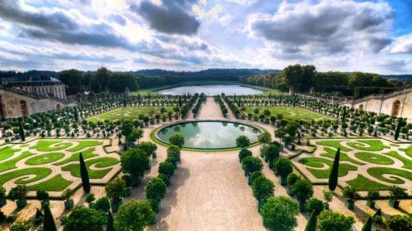 Фотообои с видом из версальского дворца