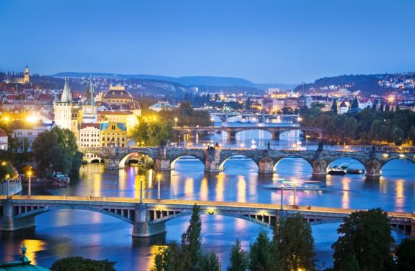Фотообои с видом на вечерние мосты Праги