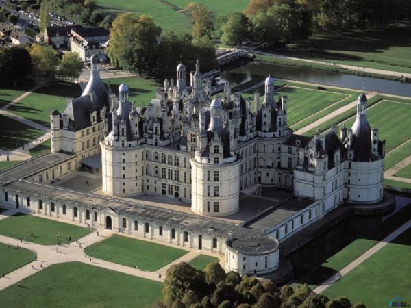 Французский замок Шамбор, «охотничий домик» для короля