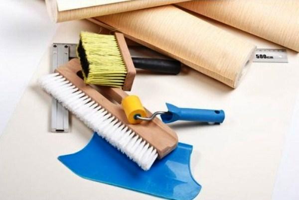 Инструменты, используемые при снятии обоев