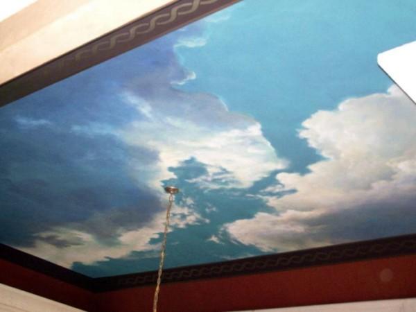 Как правильно покрасить потолок акриловой краской