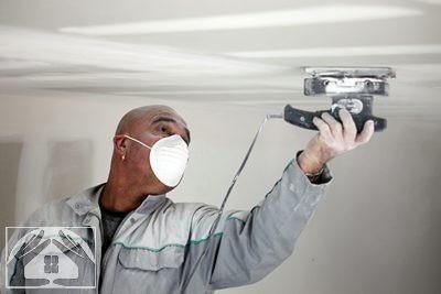 Как шпаклевать потолок под покраску и шлифовать