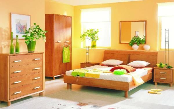 Мебель и стены одного цвета, но разных оттенков